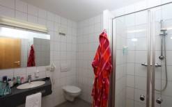 hotel-bei-schweinfurt-badbeispiel